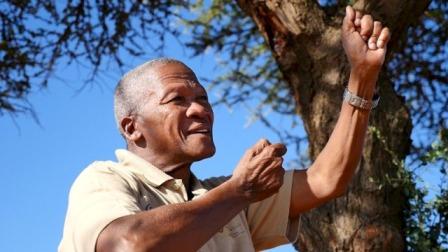 Kapilolo Mahongo, contacontes i líder espiritual del poble! Xun